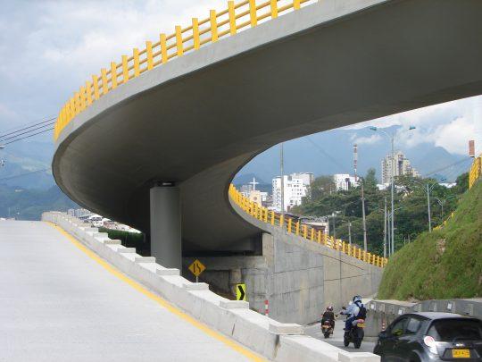 Puente Calle 33